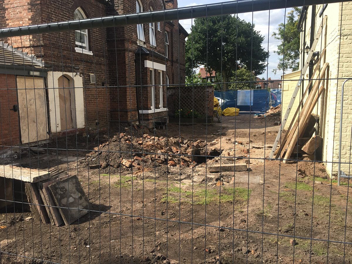 Building the new extension at Arlington House